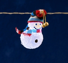 Mini Light Set. 8 White LEDs with Snowmen in Knitted Hats – Now Only £15.00